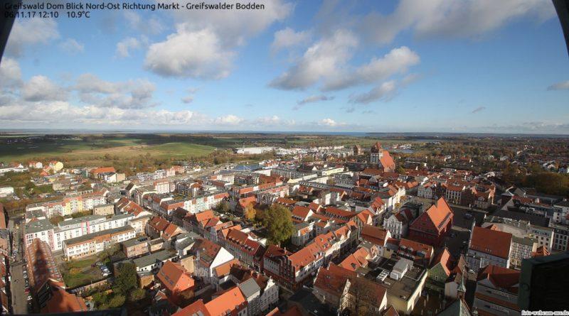 Webcam Greifswald - Blick über die Dächer der Stadt