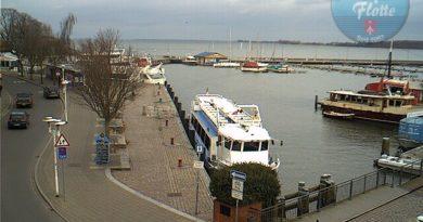 Webcam Hafen Stralsund, Anleger der Weißen Flotte, Linie nach Altefähr (Rügen)